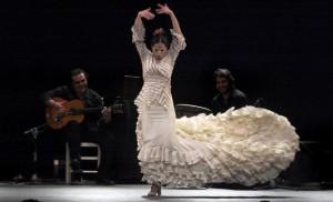 """Spanish flamenco """"Bailaora"""" Mercedes Ruiz performs """"Gestos de mujer"""" in Santander"""